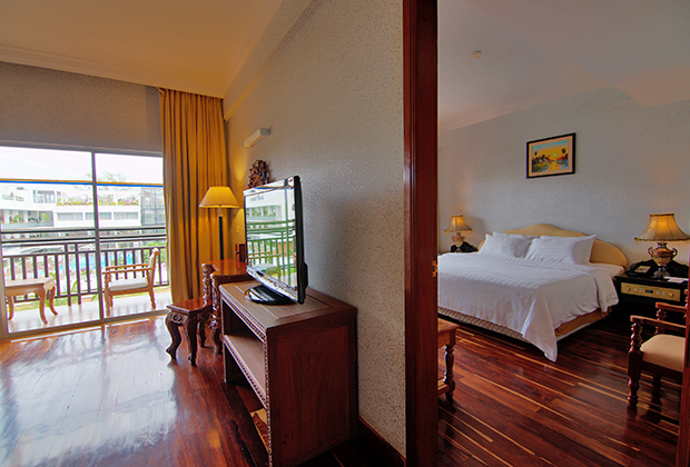 Grand Suite Private Tour USD 283